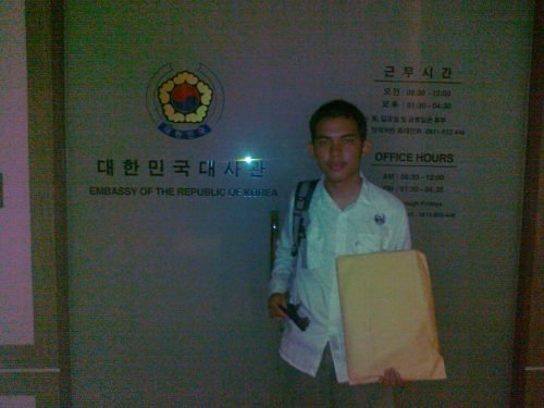 Di Depan Kedubes Korea Selatan